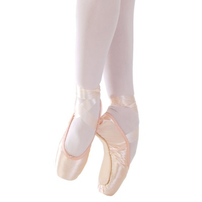 Capezio Tendu II Pointe Shoes