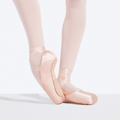 Capezio Ava #2.5 Shank Pointe Shoes
