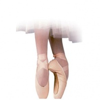 Russian Pointe Polette 3/4 Pointe Shoes